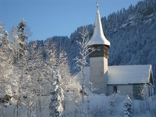 Die Pfarrkirche in Reuthe