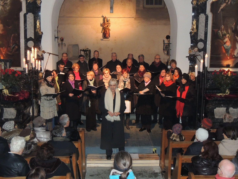 Cantores Brigantini sang klassische Weihnachtslieder