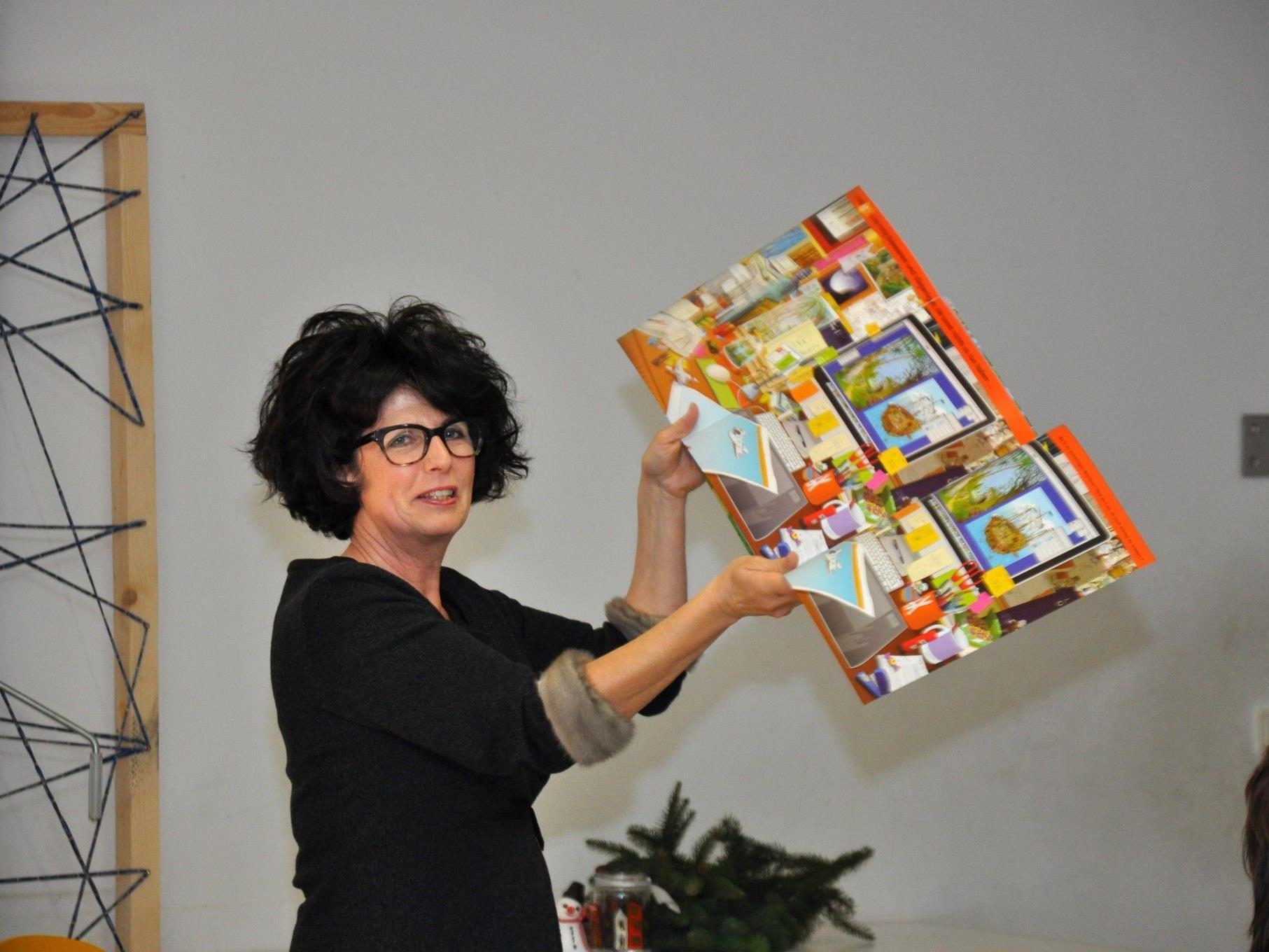 Eva Maria Volgger möchte Kinder mit der Leidenschaft für Bücher anstecken.
