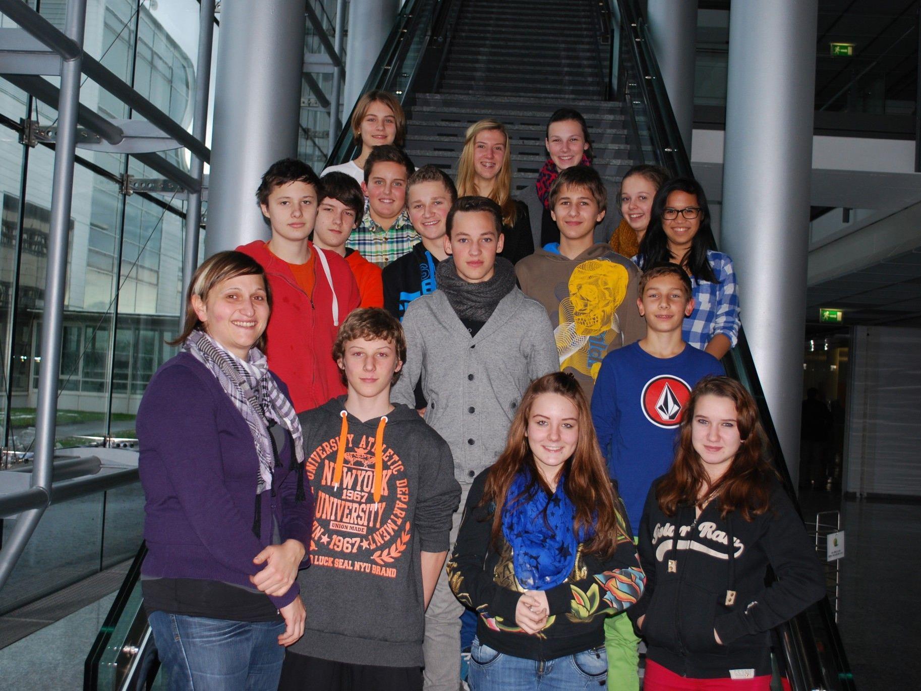 Die 4c Klasse der VMS Hörbranz war zu Besuch bei Russmedia.