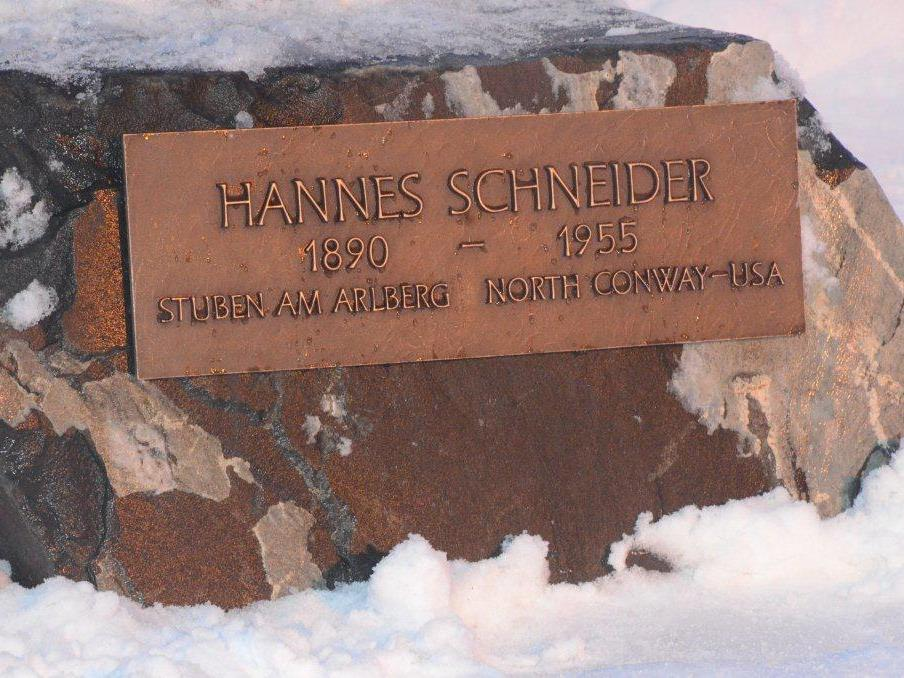 Enthüllung Statue Hannes Schneider