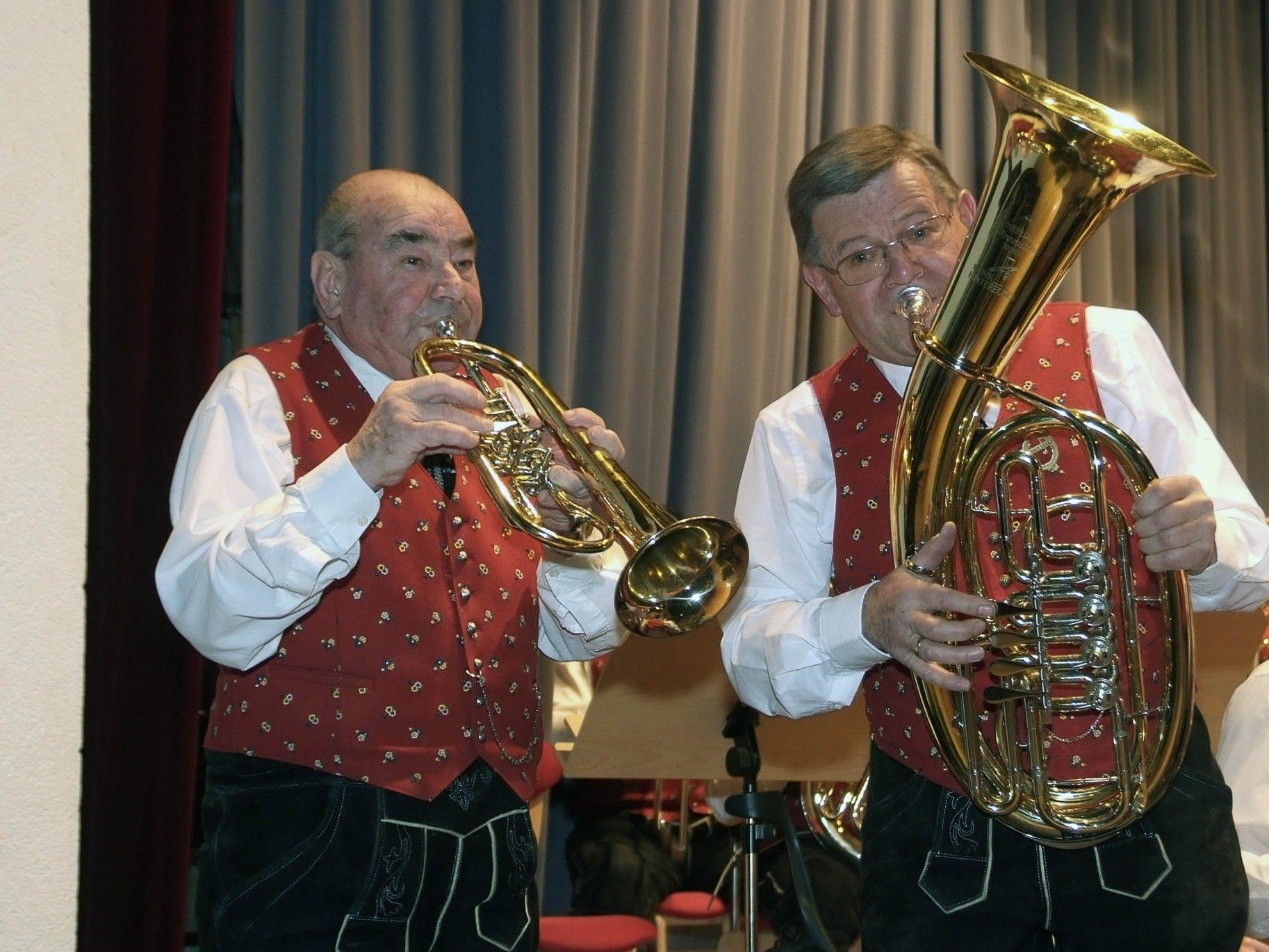 Immer noch musikalisch gut drauf: Kurt Burtscher und Bertram Gamohn.