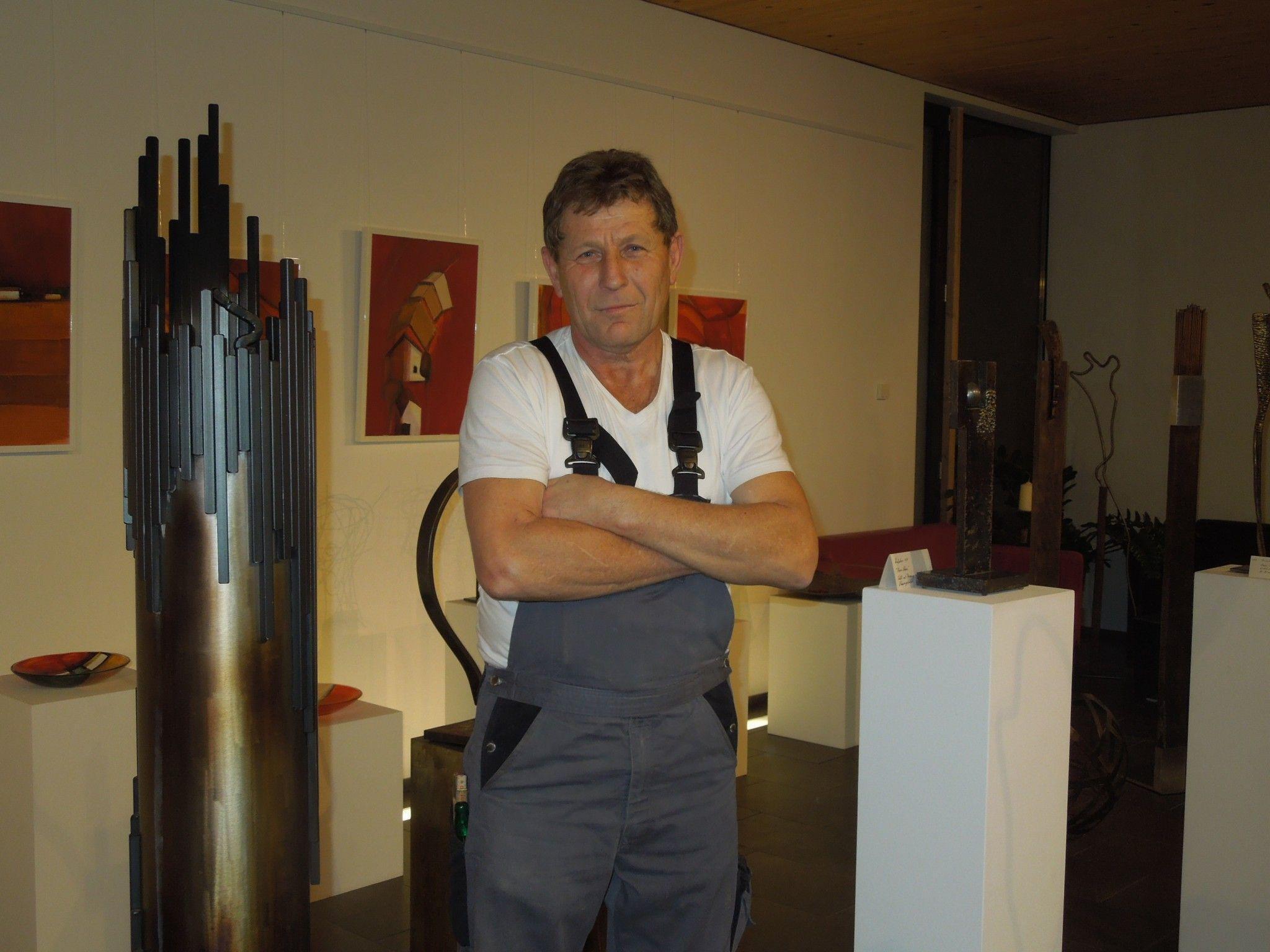 Richard Blaas ist nicht nur als Installateur fleißig im Einsatz, sondern viele Stunden auch in seiner Kreativwerkstatt.
