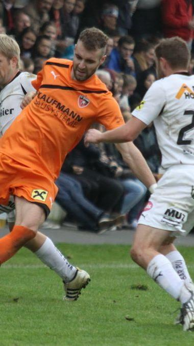 Torjäger Aleksandar Umjenovic soll dem FC Hard zum Klassenerhalt verhelfen.