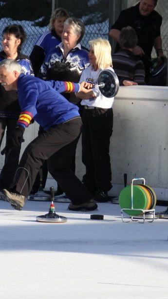 Symbolbild. Die ASKÖ Landestitelkämpfe im Eisstocksport waren an Spannung kaum zu überbieten.