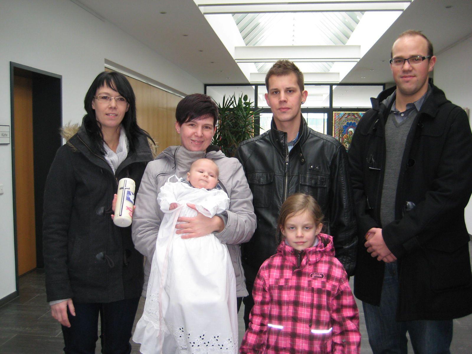 Elena Kim Schedler wurde getauft.