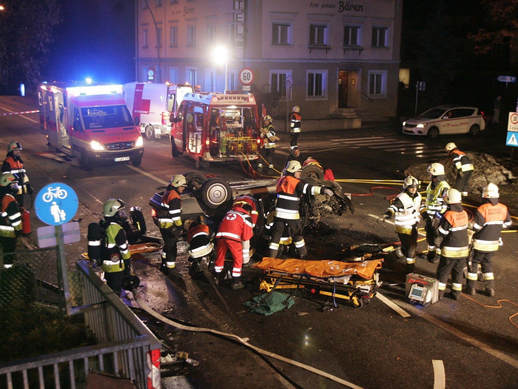 Zwei Schwerverletzte bei Unfall in Bregenz.
