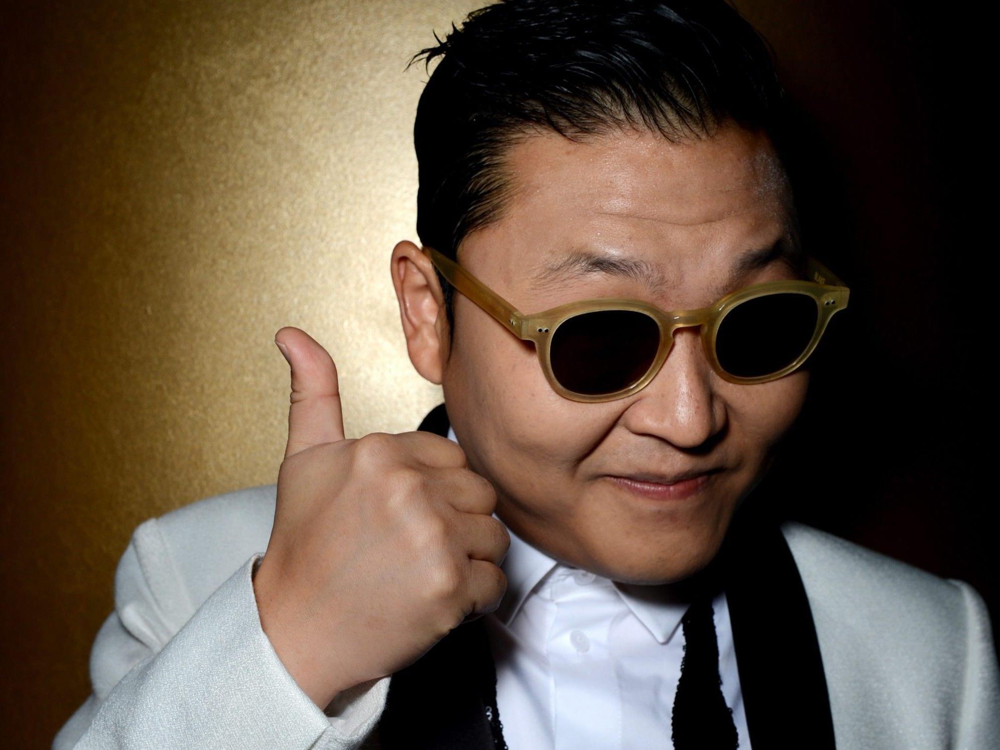 Rapper Psy knackte als erster die Milliarden-Marke auf Youtube - im Gangnam Style.