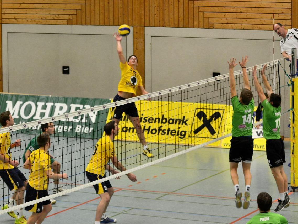 Matthias Geier versuchte gegen de Leader Tirol oft zu punkten, Wolfurt verlor mit 0:3-Sätzen.