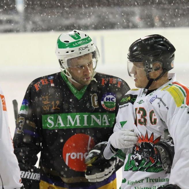 Auch der zweite Versuch fiel dem starken Schneefall zum Opfer, Spielabbruch Rankweil gegen Wil.