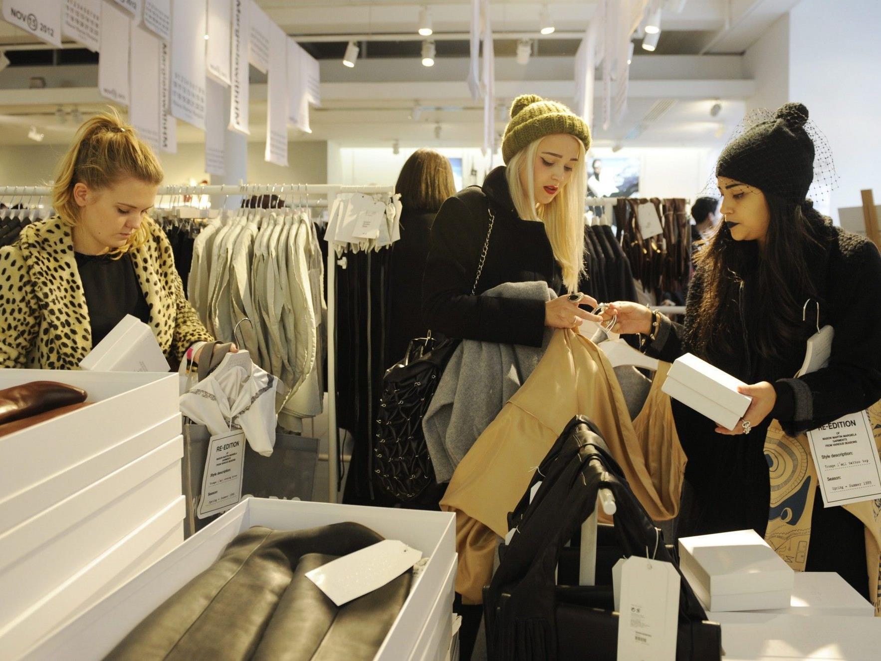 Künftig kann bei H&M nicht nur Kleidung gekauft, sondern auch abgegeben werden.