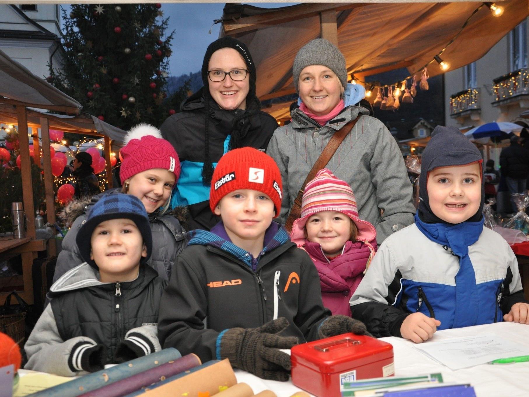 Stimmungsvoller Hörbranzer Weihnachtsmarkt für Jung und Alt im Schulzentrum.