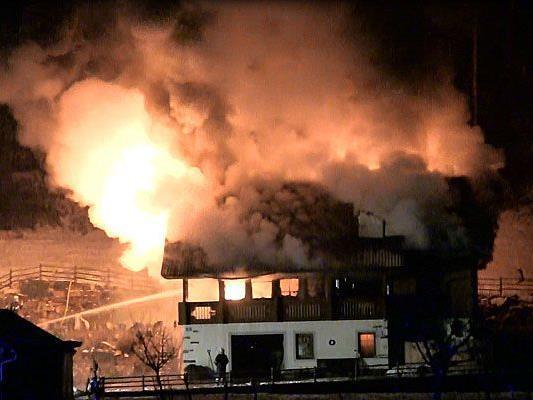 Verheerender Großbrand in einem Wohnhaus im Bezirk Horn (NÖ)