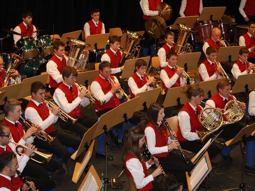 Die Lingenauer Musikanten überzeugten mit einem abwechslungsreichen Konzert.