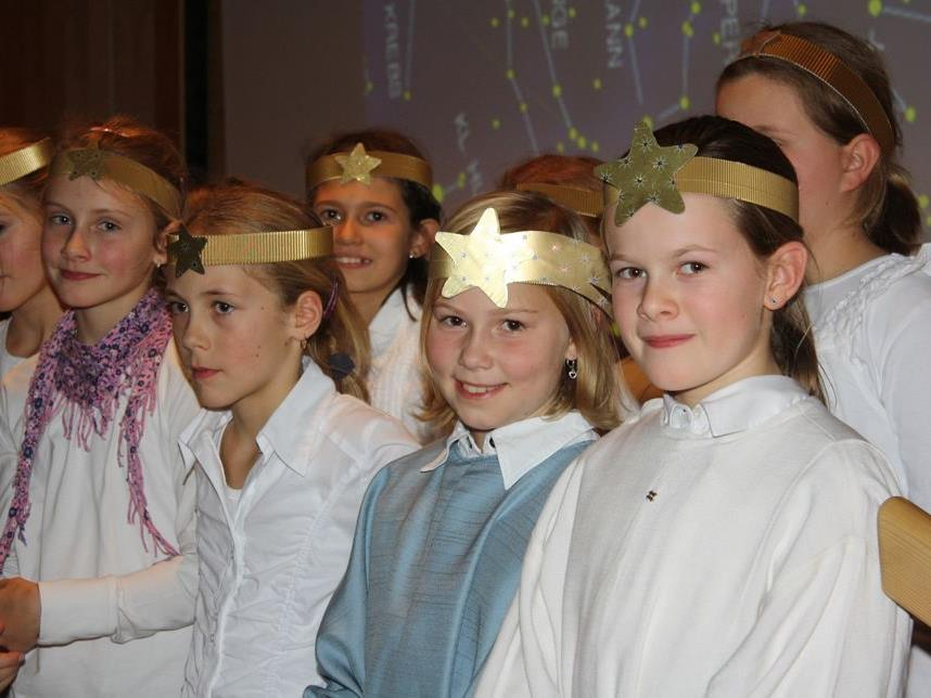 Die kleinen Sängerinnen und Sänger überzeugten mit mit frischem Chorklang.