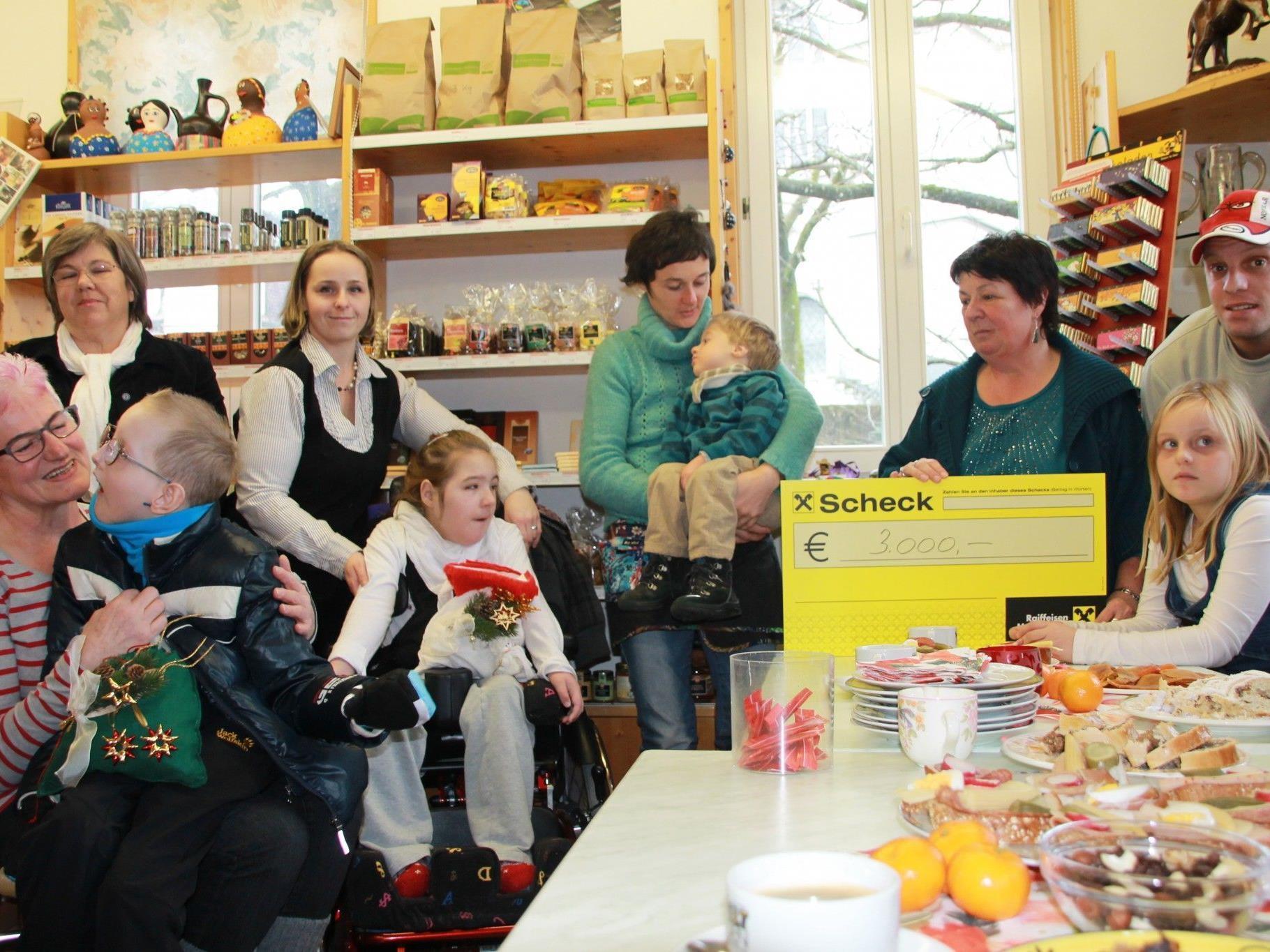Spendenübergabe im Weltladen Frastanz.