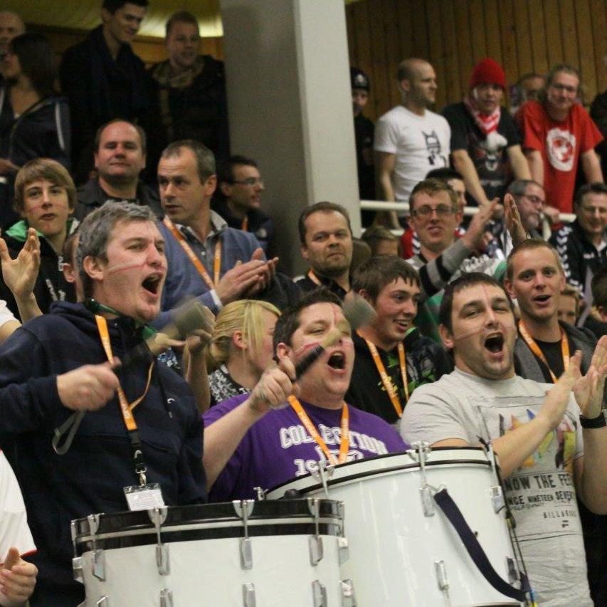 Viele Fans werden ab der Vorrunde wieder für eine Bombenstimmung in der Hofsteighalle sorgen.