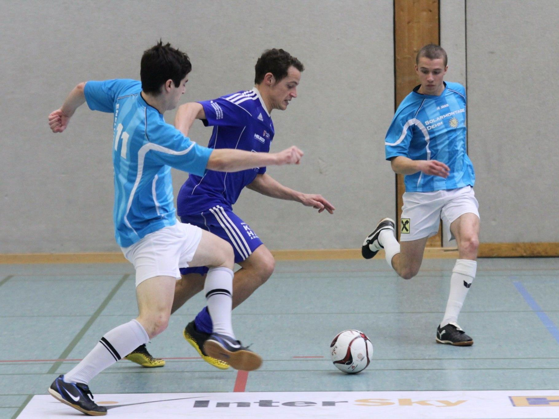 Andelsbuch und Sulzberg stehen im Halbfinale des Wolfurter Hallenmasters.