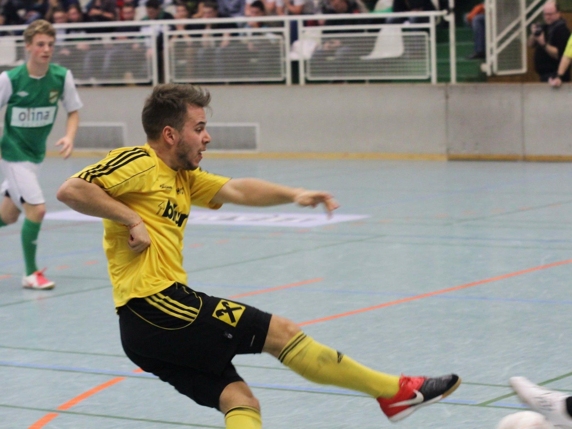 Höchst-Kicker Julian Lipburger darf sich mit der Mannschaft auf den Aufstieg ins Halbfinale freuen.