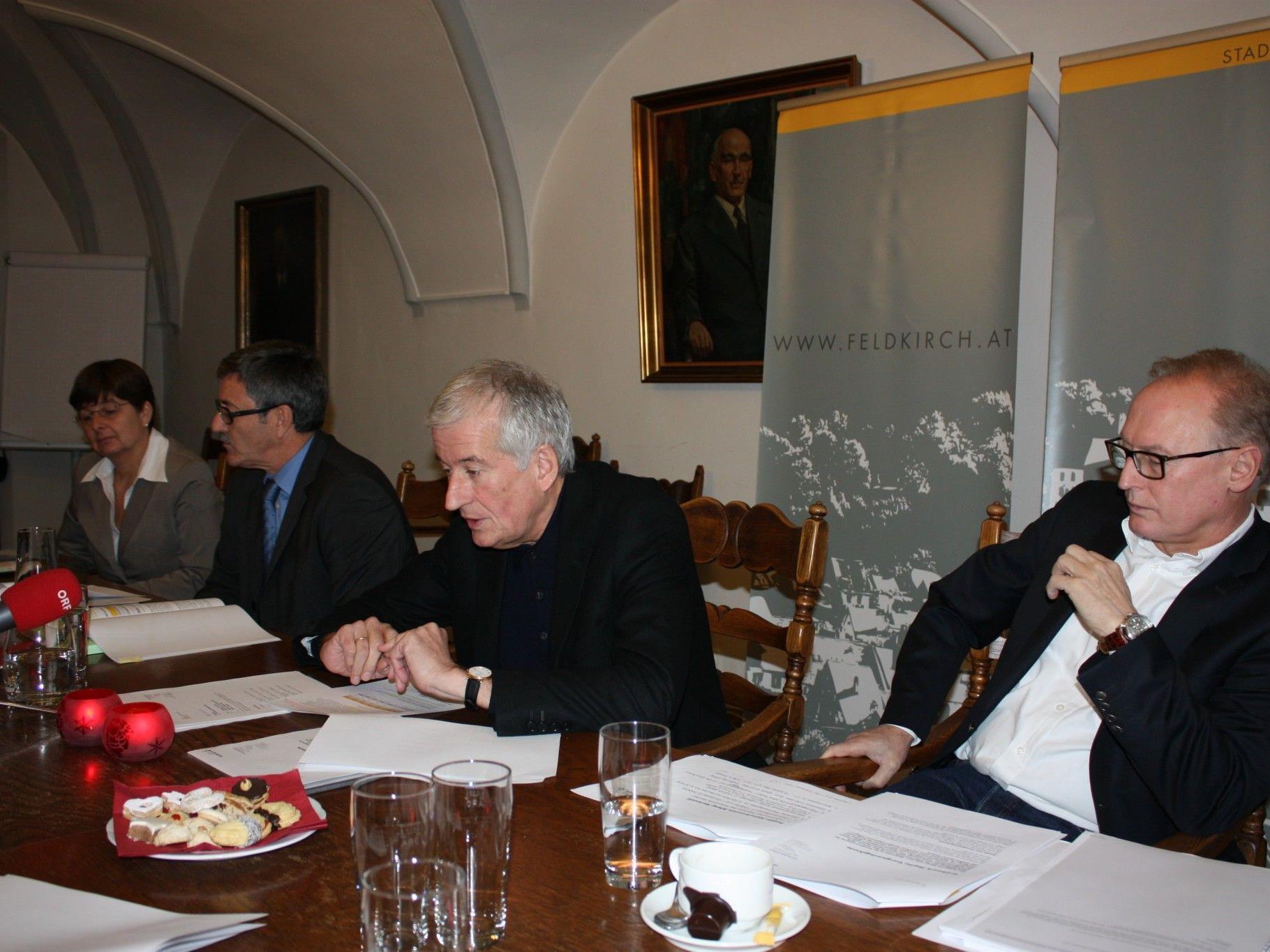Präsentierten den Voranschlag für 2013: Bürgermeister Berchtold, Finanzstadtrat Wolfgang Matt und Stadtkämmerin Brigitte Eller.