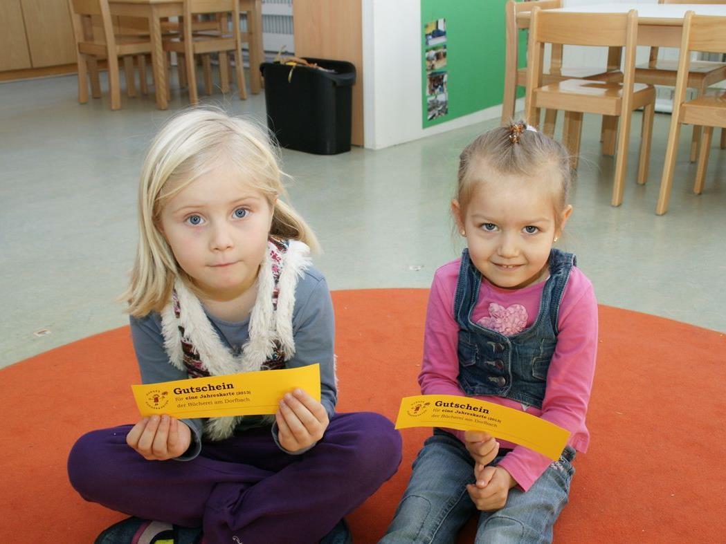 Mit der kostenlosen Jahreskarte können Kinder ganzjährig die Bücherei frequentieren!