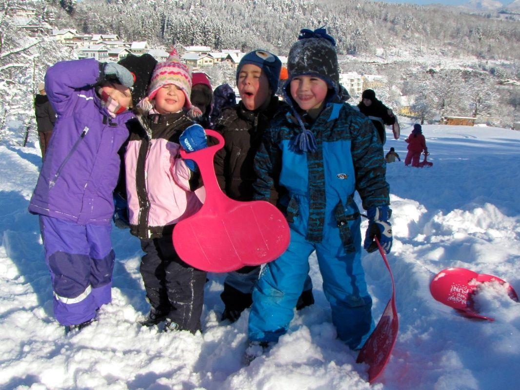 Viel Spaß hatten die Kinder vom Bewegungskindergarten mit dem vielen Neuschnee