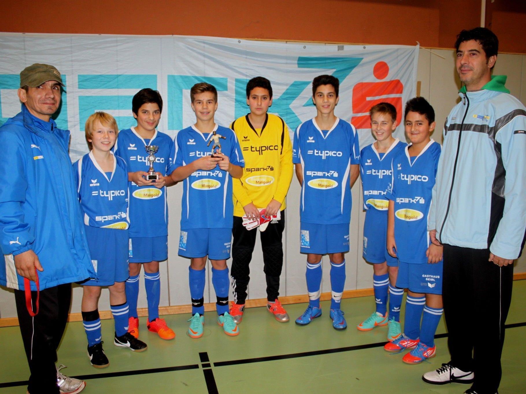 Bei den U 15 Teams erkämpften sich die Jungs vom SV Typico Lochau den ausgezeichneten 2. Platz und feierten mit Niklas Außerlechner auch den besten Torschützen.