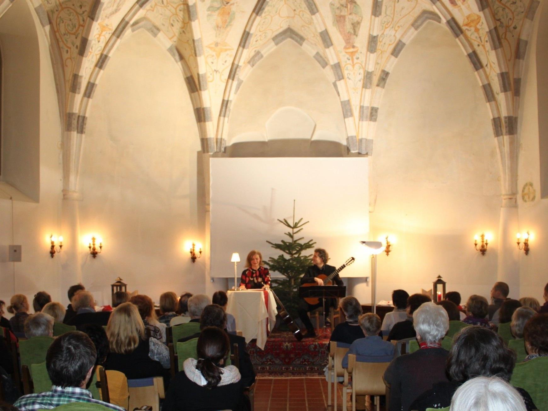 """Stimmungsvoller Auftritt: Renate Bauer und Alexander Swete begeisterten die Besucher beim """"Schloss Hofener Advent 2012"""""""