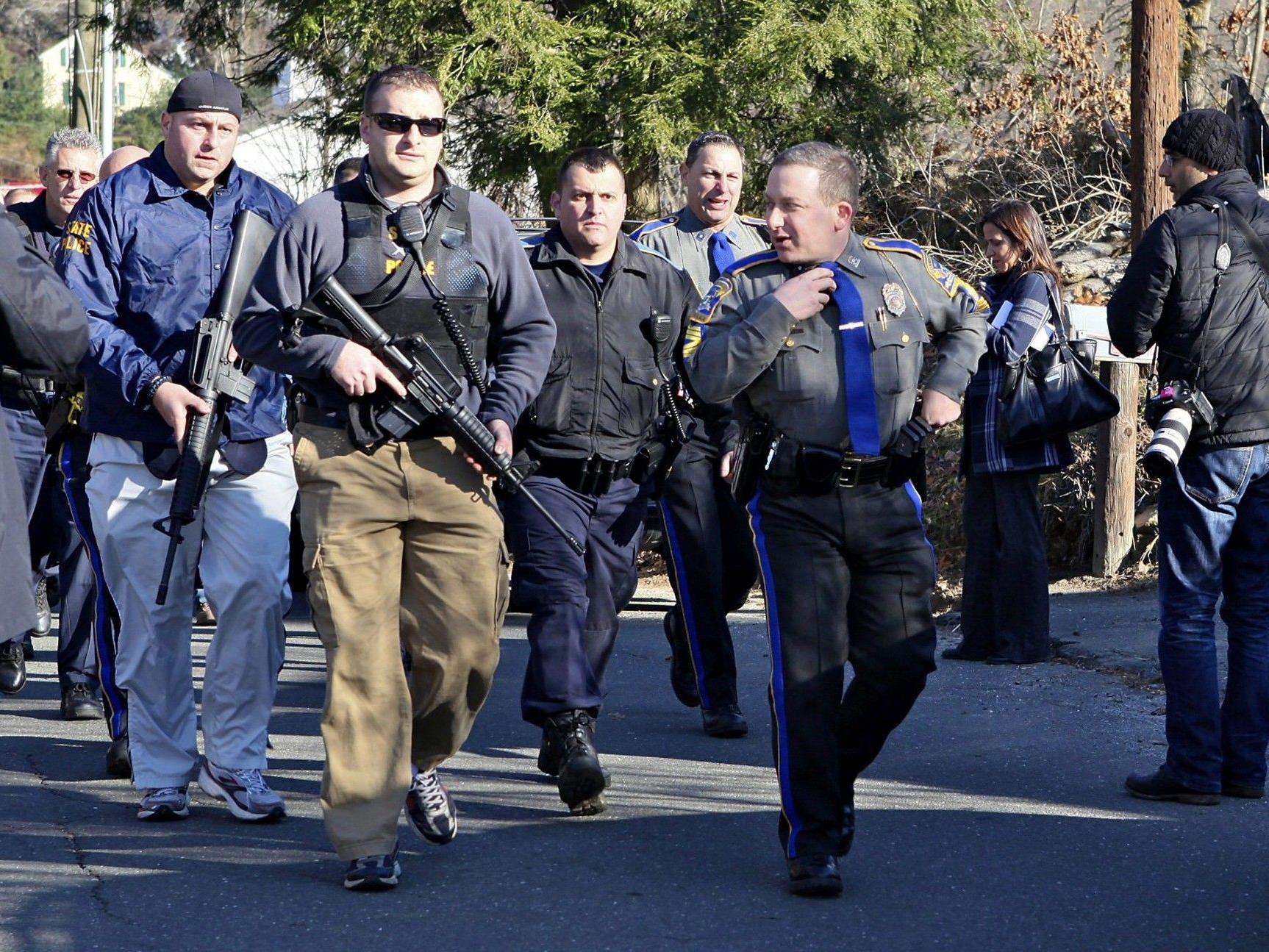 Dutzende Tote bei Schießerei am Freitag.
