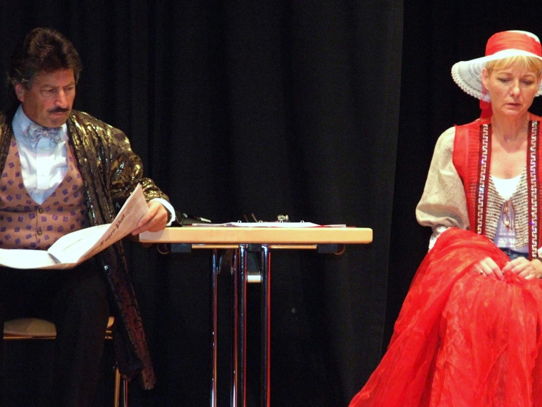 """Christine Aichberger und Alfons Noventa gastieren mit """"Weihnachtlichem"""" im Laurentiussaal."""