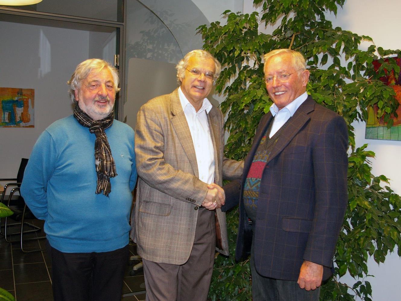 v.li.: Vizepräsident Paul Margreitter mit Dr. Roland Kopf und Dir. Walter Tschegg.