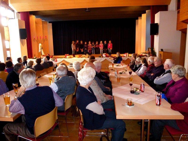 Adventfeier der Senioren im Gemeindesall Doren