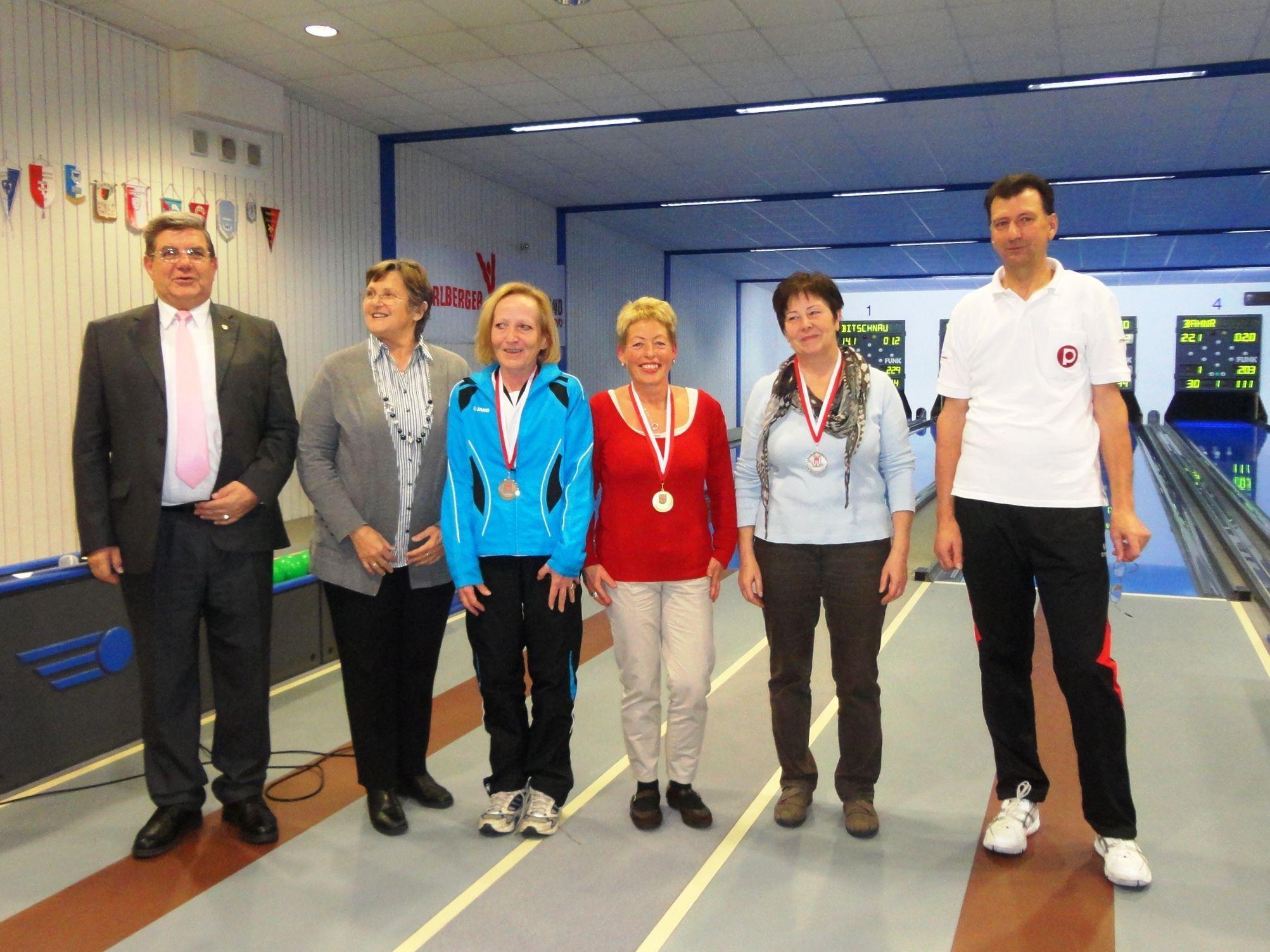 Landesvorsitzender Erich De Gaspari und Landessportreferentin Elisabeth Mayer waren auch dabei