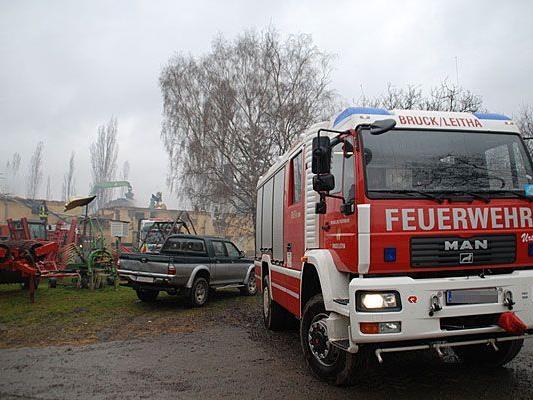 Die Feuerwehr war auf einem Reiterhof in Bruck an der Leitha im Großeinsatz