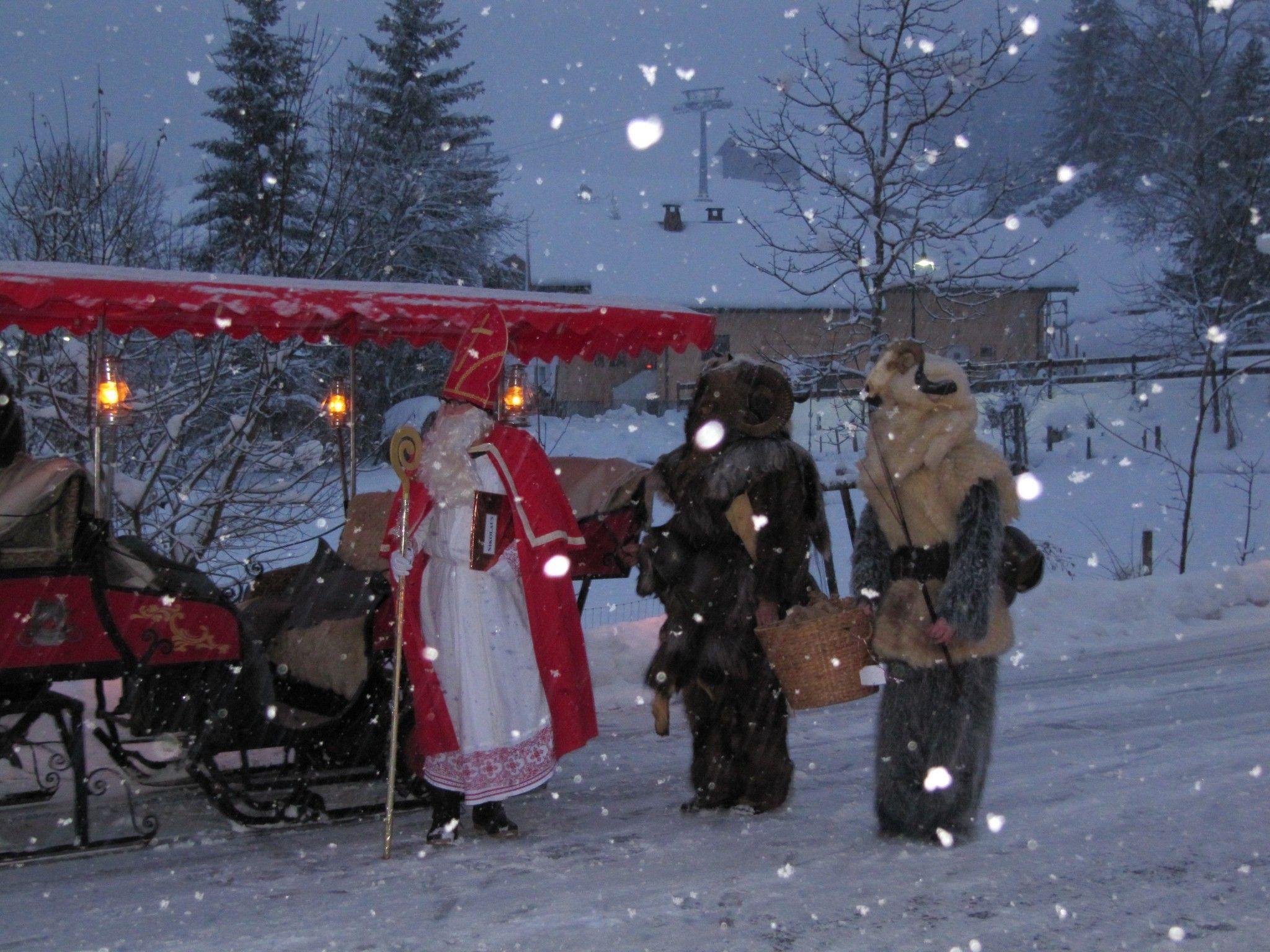 Ankunft von Nikolaus und Krampus.