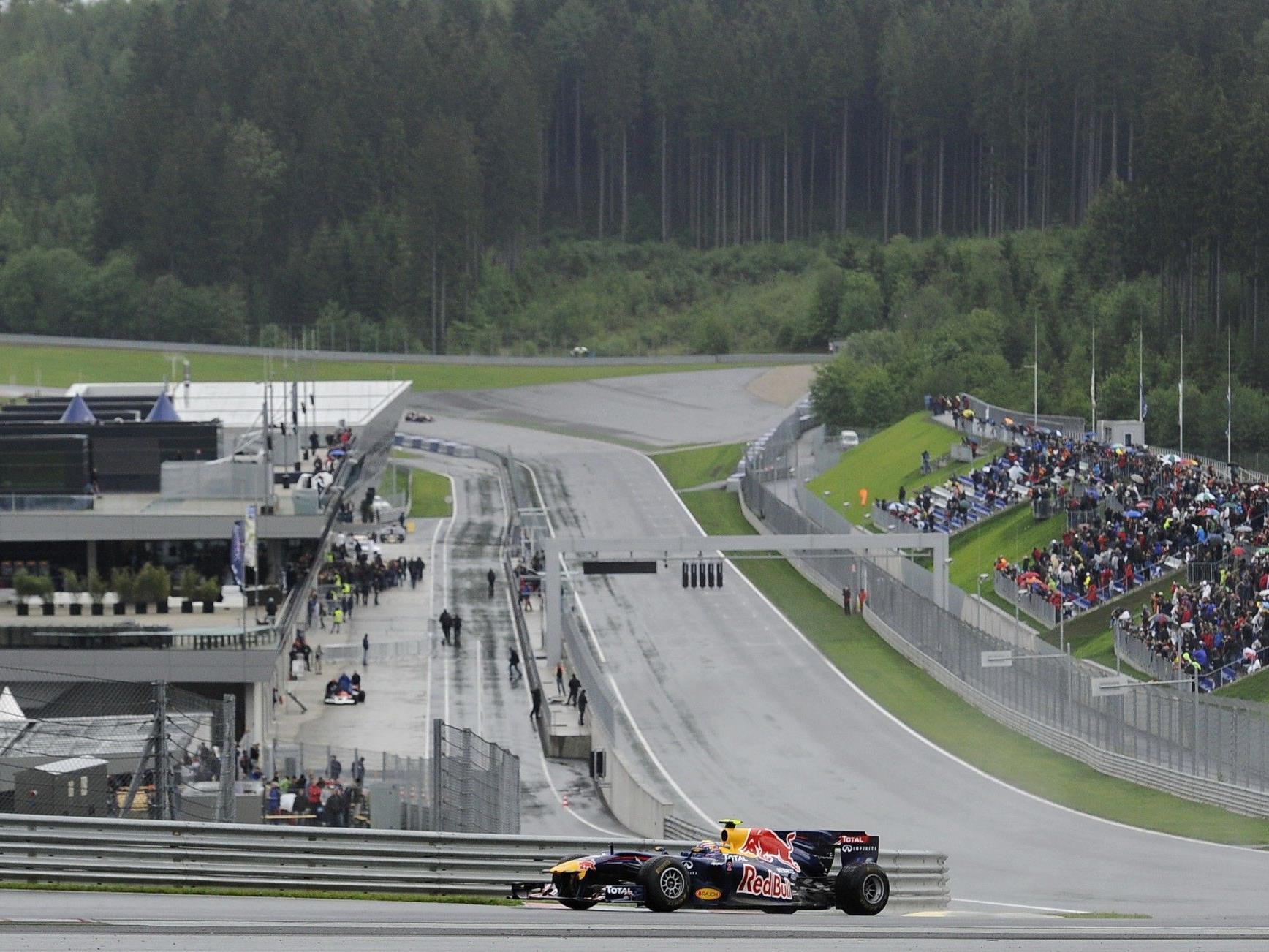Mark Webber in seinem Rennwagen bei der Eröffnung des Red-Bull-Rings in Spielberg im Mai 2011.