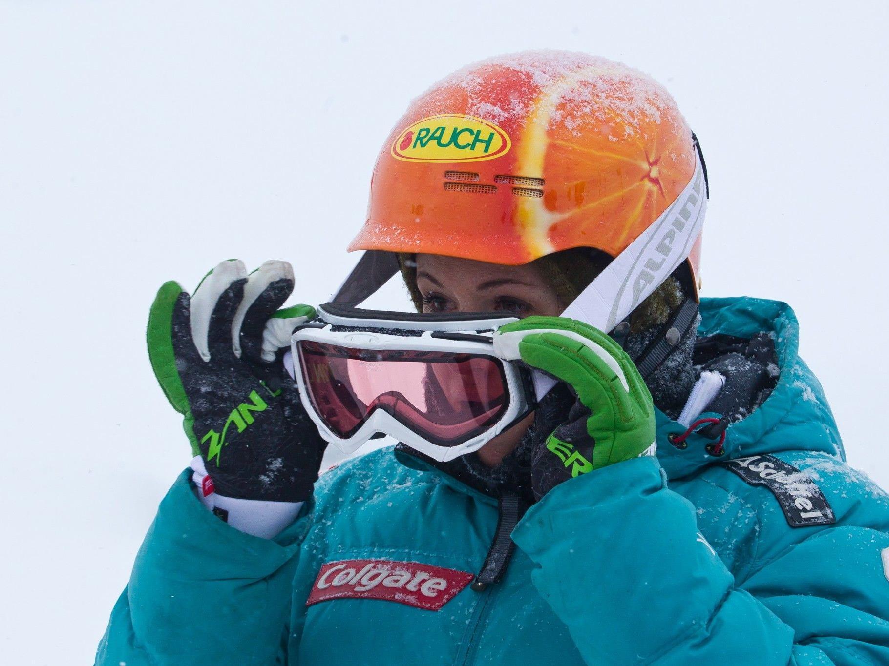 Susi Moll und die ÖSV-Snowboarder hatten hart mit ihren Flügen zu kämpfen.
