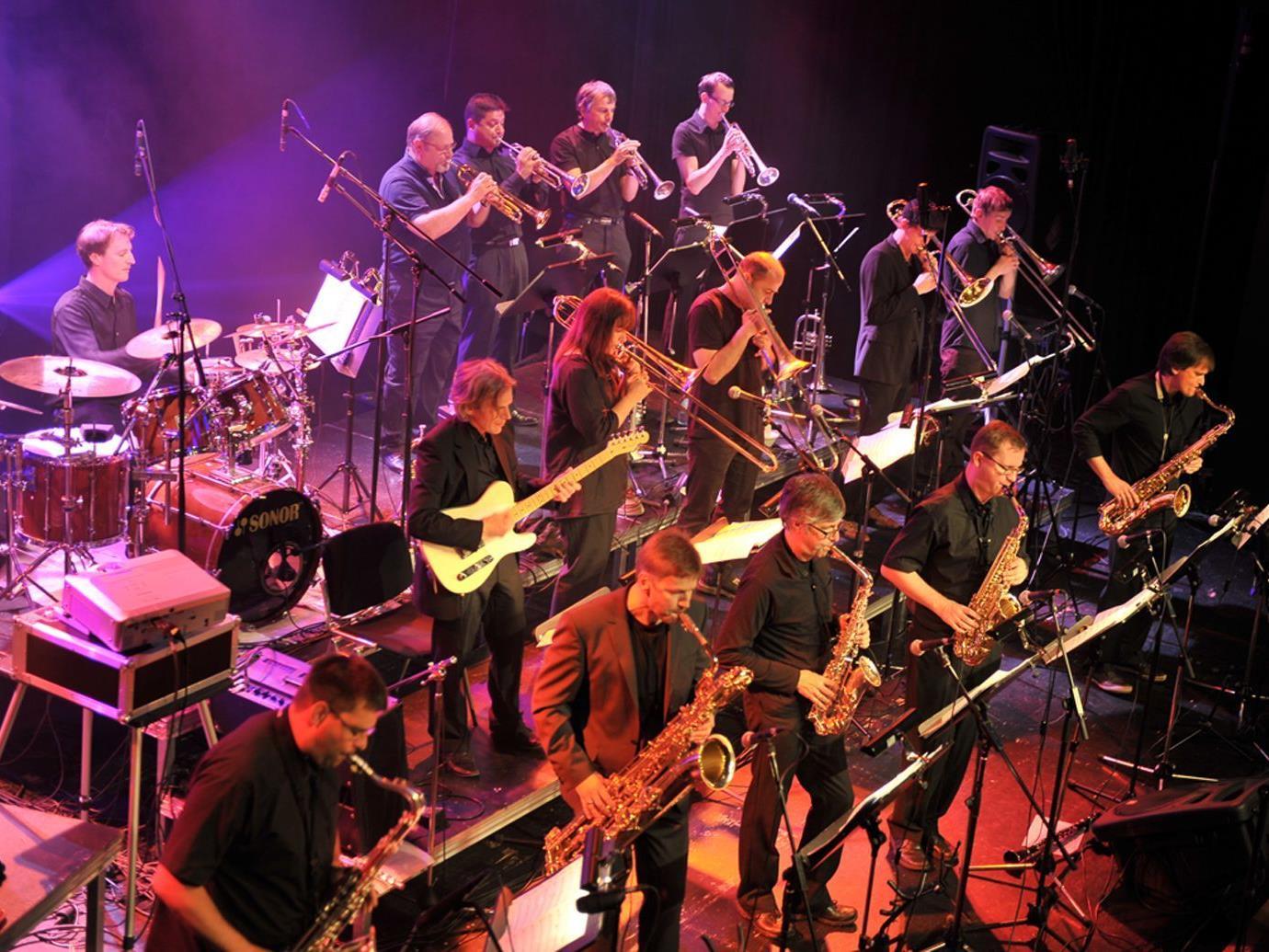 """Am Sonntag gastiert die """"Swing Werk Big Band"""" beim Jazzbrunch im Löwensaal."""