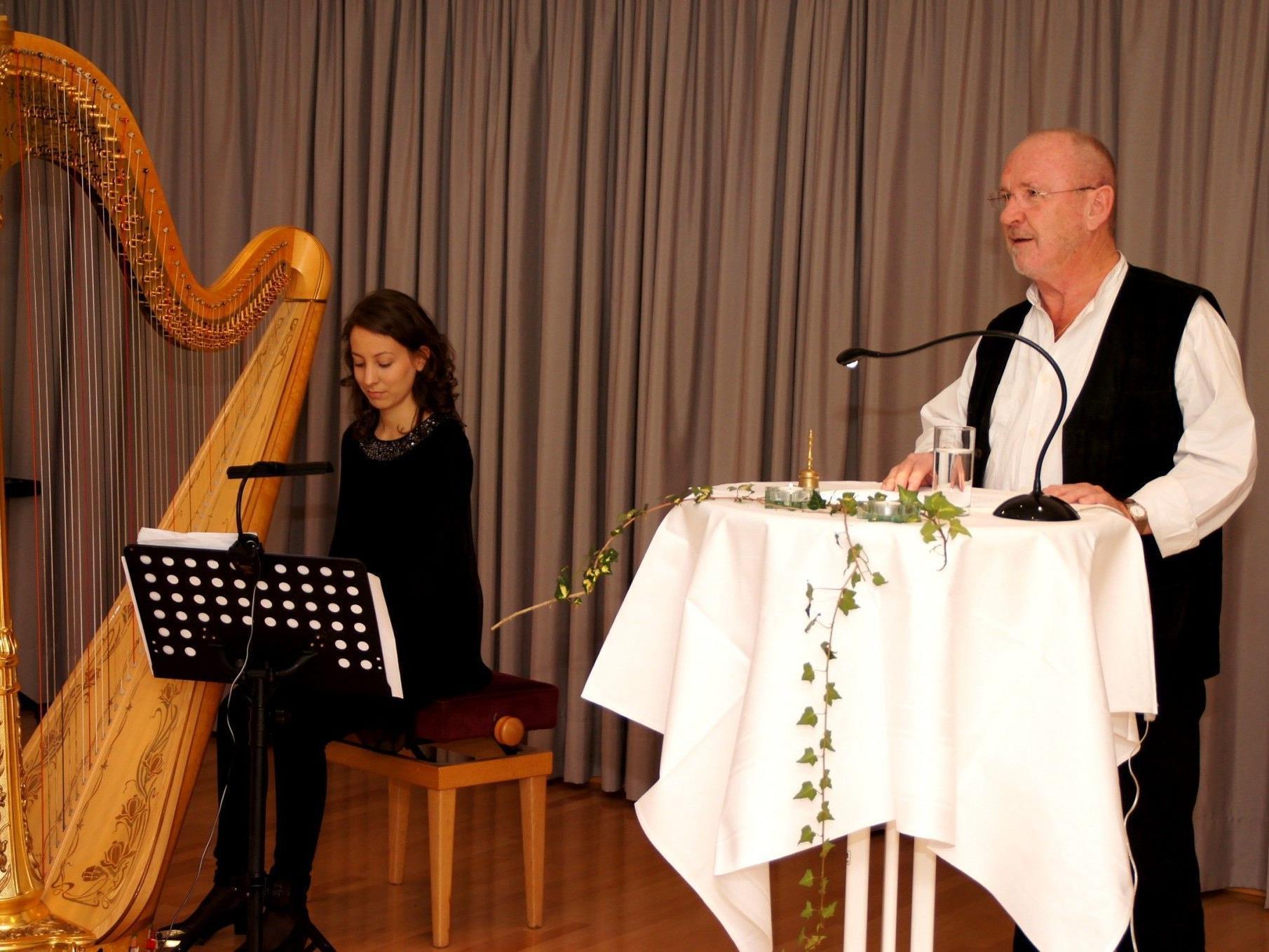 Der Autor und die Harfenspielerin