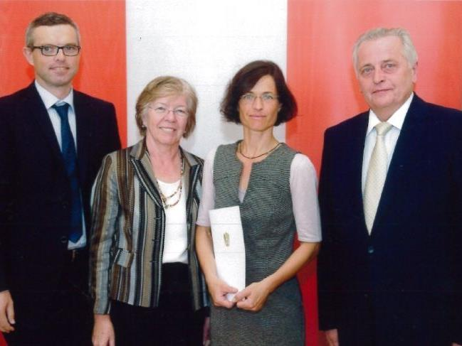 v.l.n.r: Martin Herburger, Dr. Margit Scholta, Ruth Weiskopf, BM Rudolf Hundstorfer