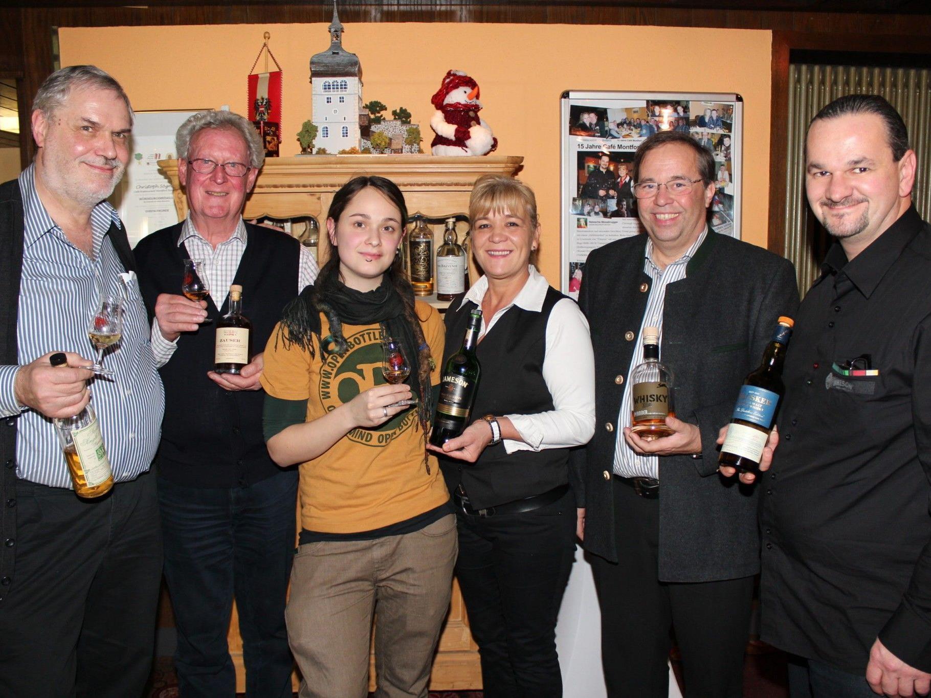 Im Café Montfort wurden edle Whiskys verkostet.