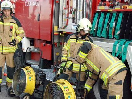 27 Feuerwehrleute waren bei dem Brand in Vösendorf im Einsatz.