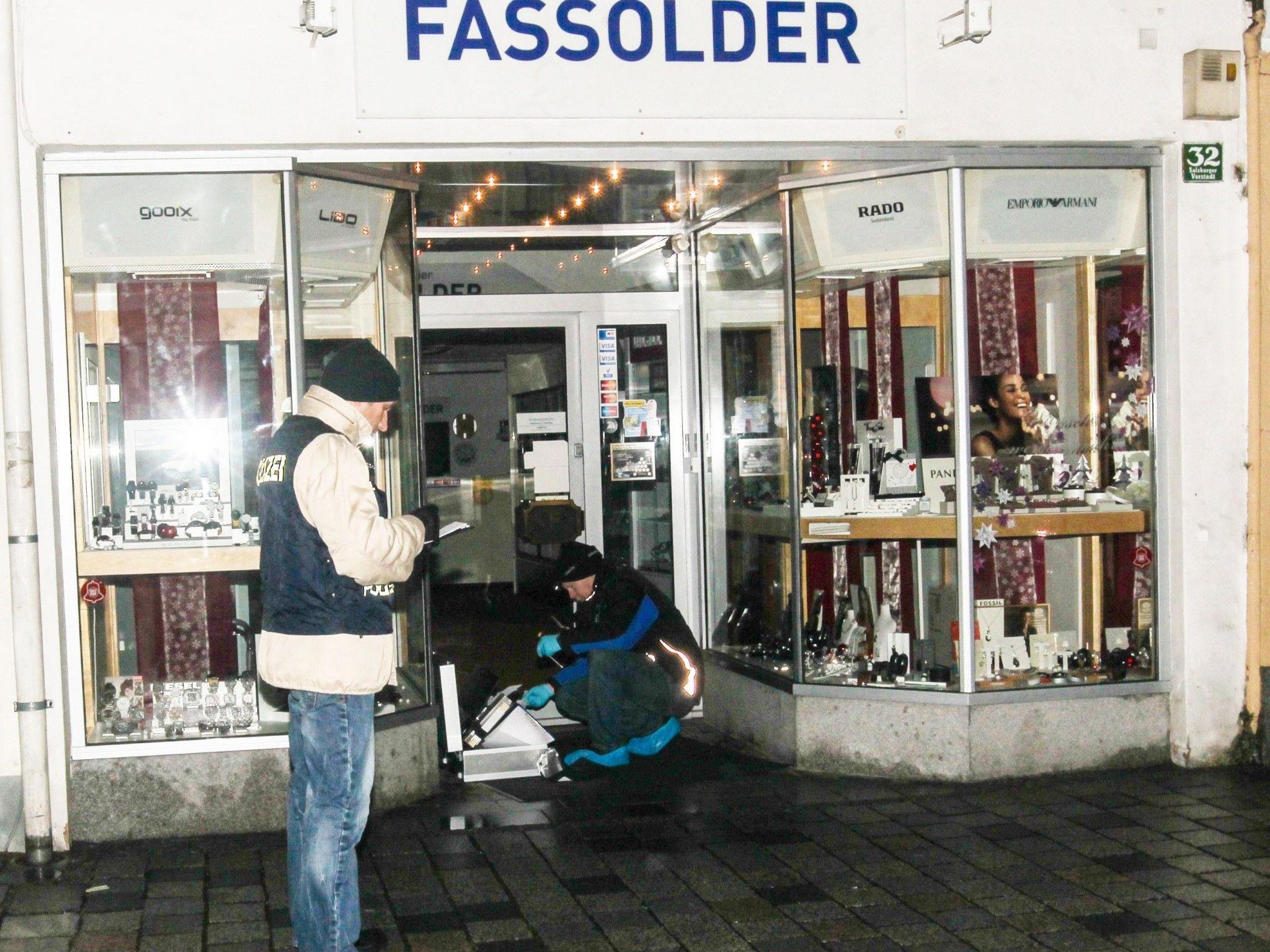 Am Tatort wurden von der Polizei Spuren sichergestellt.