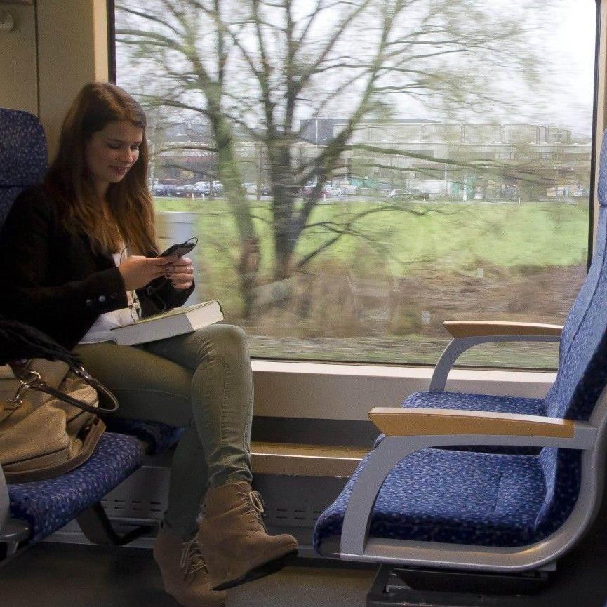 Mit dem Jobticket dürfen Firmen ihren Mitarbeitern den Umstieg auf Bus und Bahn schmackhaft machen.