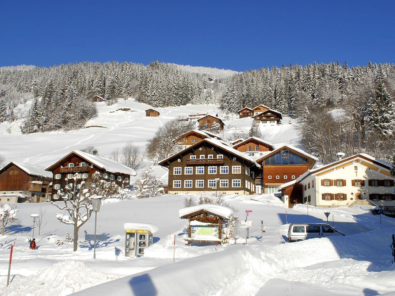 Winteridylle im Ortskern von Bartholomäberg