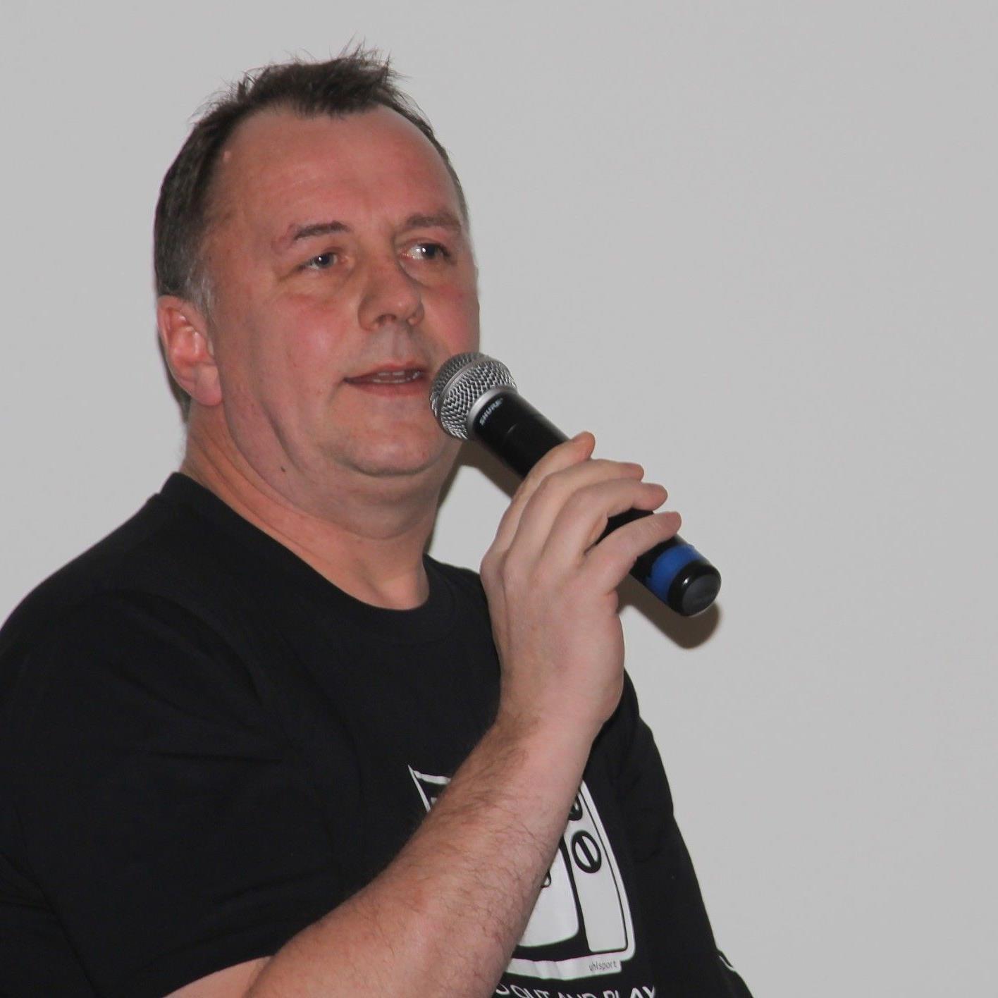 Ideengeber und Hallensprecher des Wolfurter Hallenmasters: Hans Peter Meusburger seine Stimme hat Gewicht.