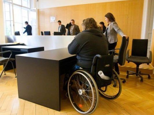 Über 1,1 Tonnen Cannabis geschmuggelt - Haftstrafe für 46-jährigen Rollstuhlfahrer.