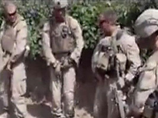 Die Marines filmten sich dabei, wie sie auf tote Talibankämpfer urinierten.