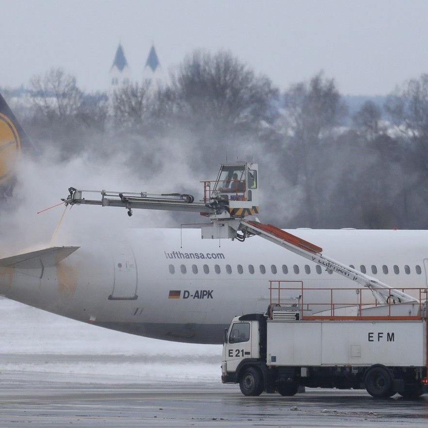 Sprecher: Bis zu Mittag nur ein Flug aus Hamburg gestrichen.