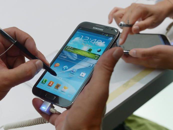 Eine Sicherheitslücke erlaubt es Apps, gewisse Samsung-Handys zu kontrollieren.